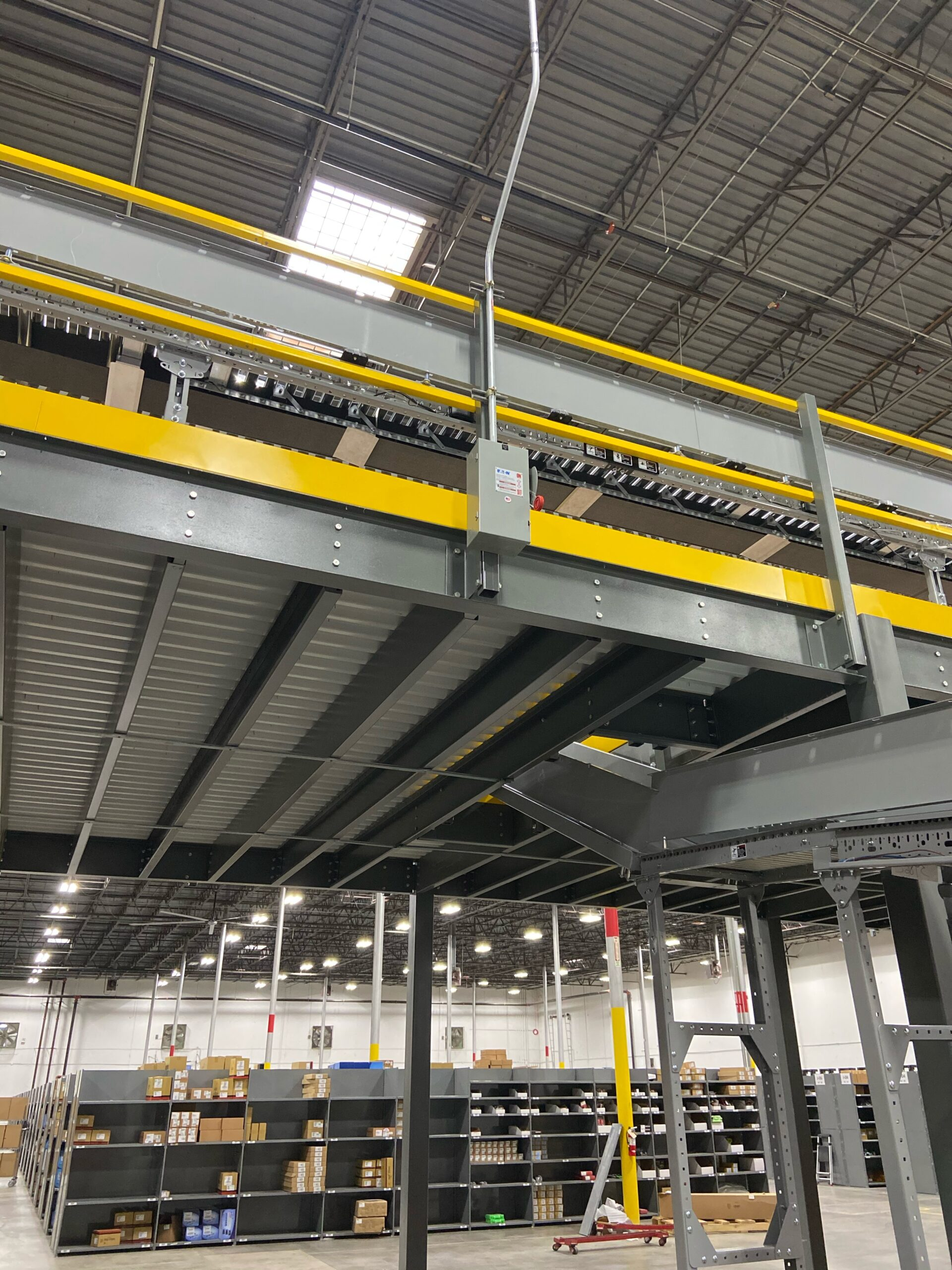 Large metal conveyer belt for cars and parts